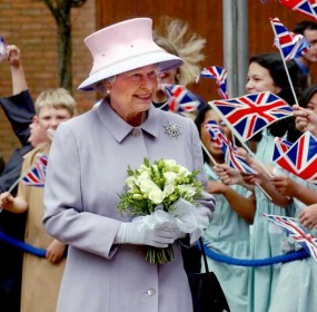 Queen's Diamond Jubilee will be marked with an extra long weekend