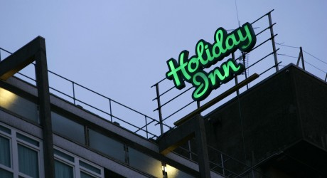 Holiday Inn neon sign