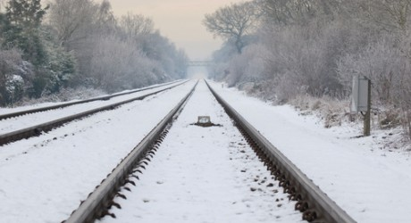 snow_railwaytrack